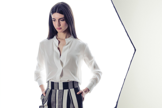 Look 115 - Metropolitan - RIONE FONTANA giacca, BRIAN DALES camicia, ALPHA pantaloni, REBELLE borsa, SAUCONY sneakers