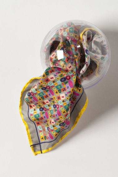 FeFè Pochette grigio con fantasia lettere multicolor primavera estate