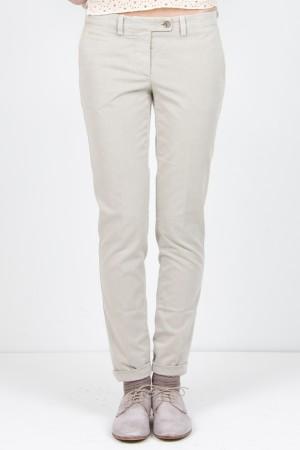 201f5e51ef Piatto. Pantalone grigio chiaro