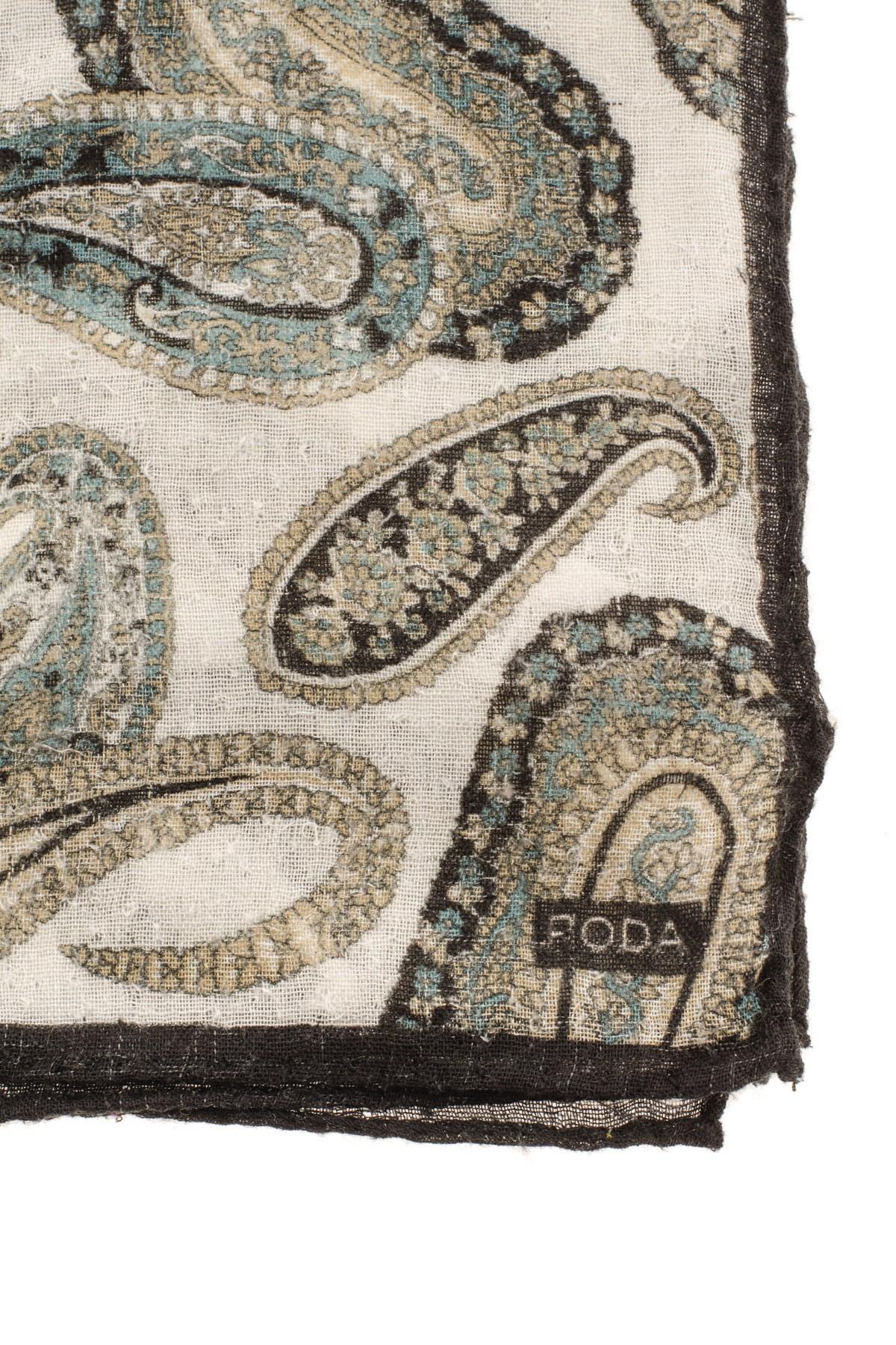 Beige patterned pocket square RODA