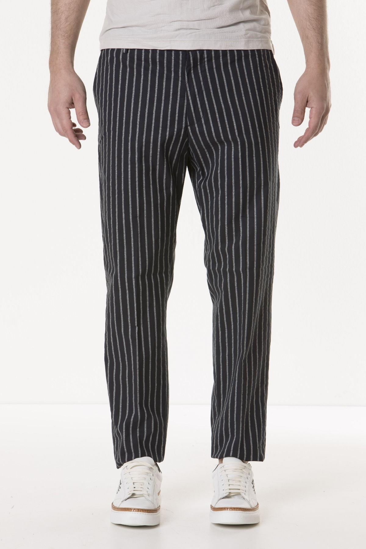 Pantaloni per uomo MYTSH