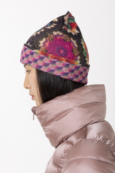 Cap for woman IN BED WITH YOU F/W