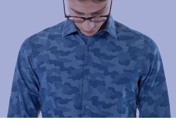 The Sartorialist 1958. Camicia blu camouflage per uomo