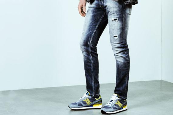 Sneakers Saucony, jeans denim Re-Hash. Collezione Uomo PE 2017