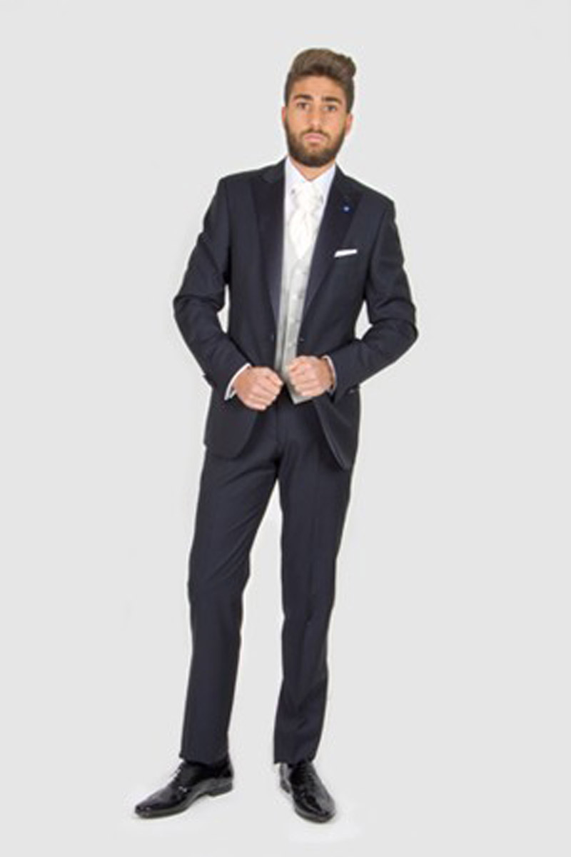 Look 01 - The Perfect Groom